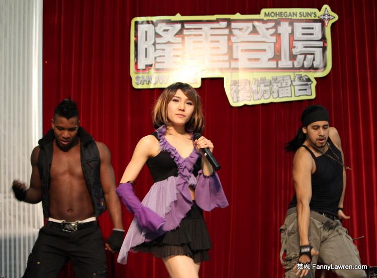 參賽者 Stella Li 與伴舞