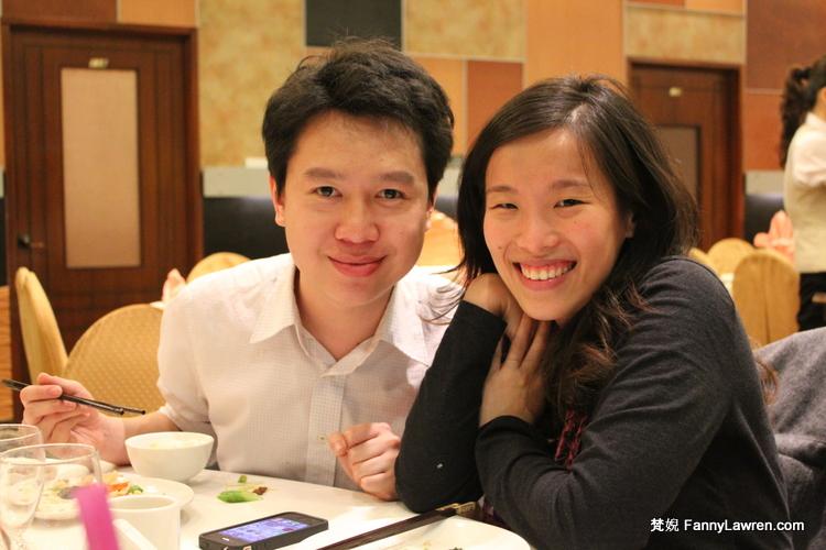 面試後慶功中的 Wee Wan 和 Pei Yin Cheong