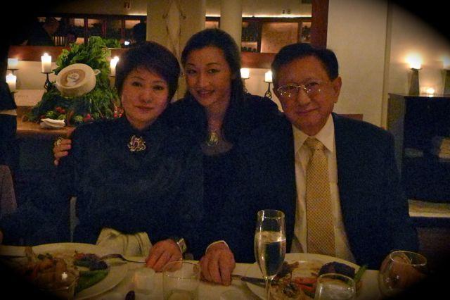 月前與 Chris Tsou 及 Anna Zhan 在 The Core Club 初認識,今次坐在 Anna 旁,我倆大談兒女經。